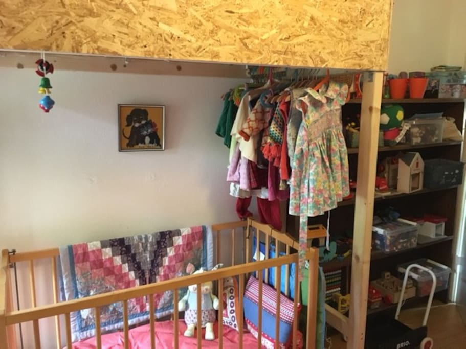 the children's playroom/bedroom