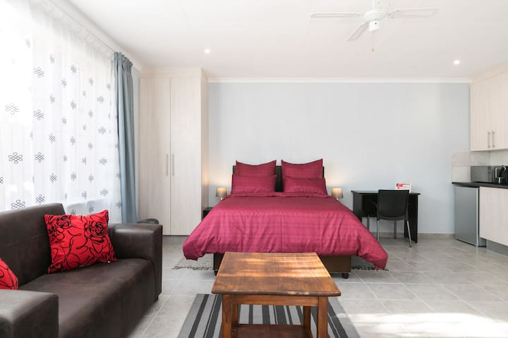 Homely Studio suite. All you need, in one room!