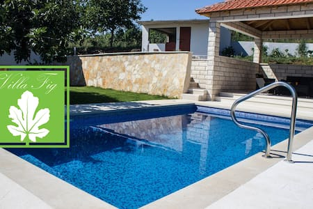 Villa Fig With Swimming Pool - Imotski - Casa de camp