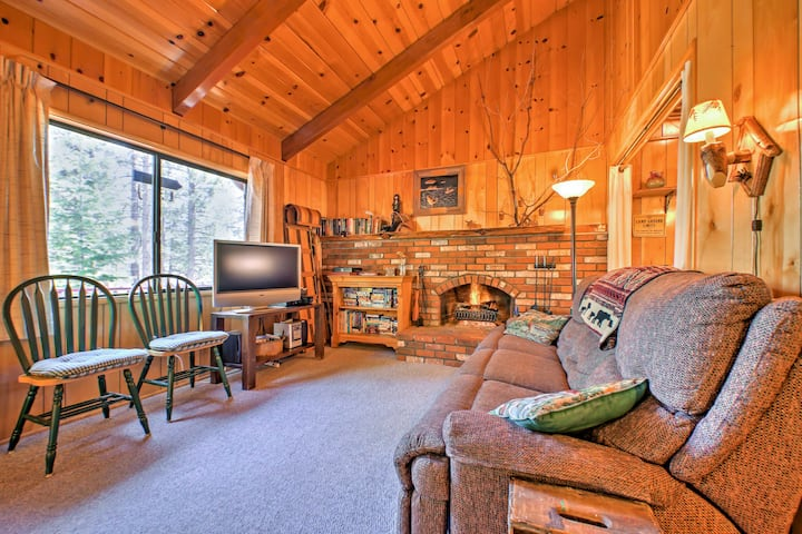 Cozy Cabin w/Patio - 2 Blocks to the Big Bear Lake