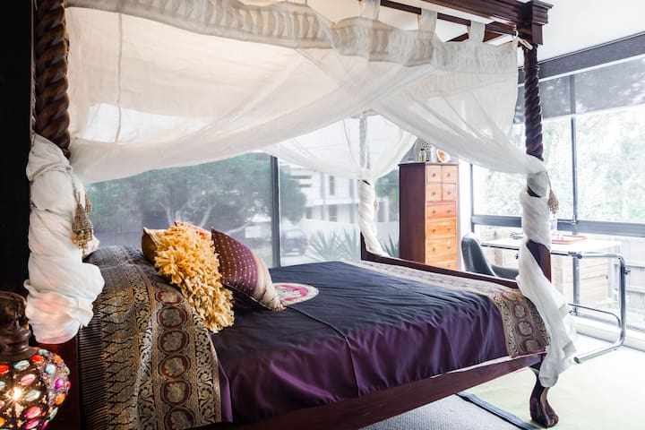 Boutique Balinese QS Bedroom for (2) - Black Rock - Bed & Breakfast