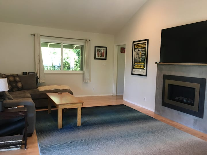 Walking Distance to Downtown Historic Grass Valley