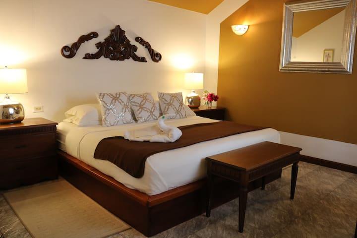 Villa Boscardi-1 Bedroom King Suite