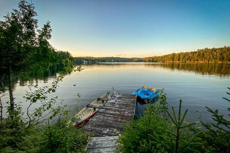 Rustic Cottage On The Lake / Wifi / Canoe / Island