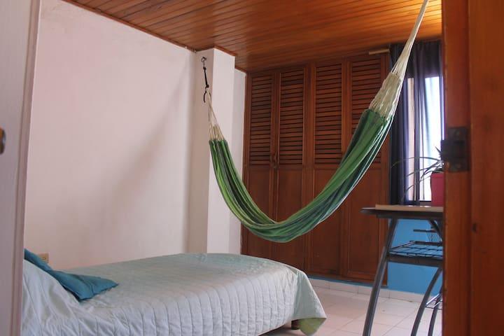 Habitación privada con hamaca en barrio El Prado - Barranquilla
