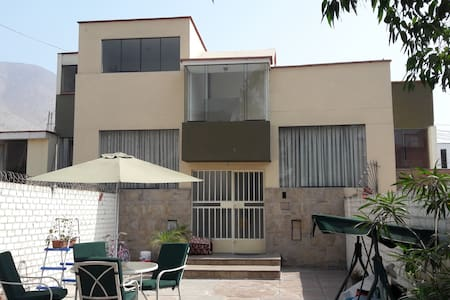 LINDO DEPA 2DO PISO. 2 DORM. KITCHEN IDEAL 2 PERS