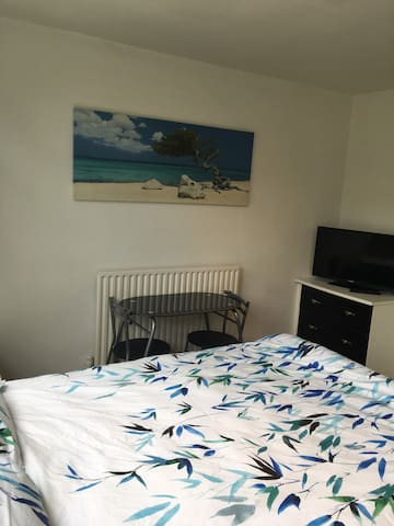 Lovely double room in a quiet flat