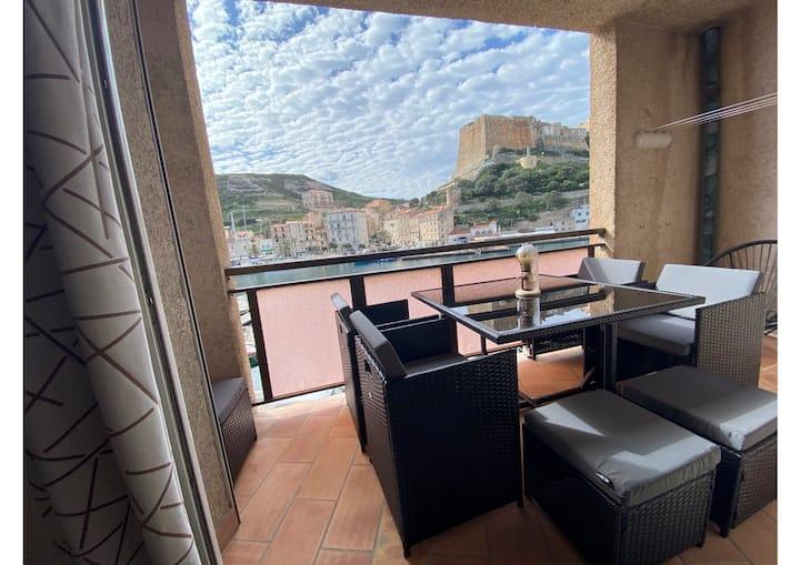 Superbe appartement situé sur le port de Bonifacio