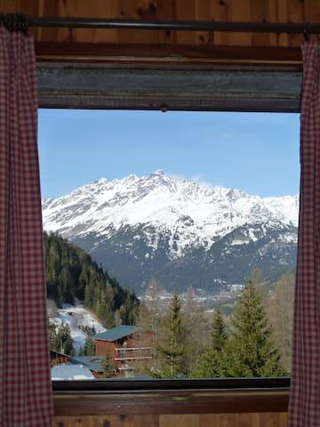 Cosy Chalet 150m walk to Ski Lift 3 - Modane - 一軒家