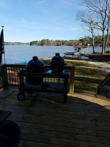 Charming lake home open water view on Jackson Lake