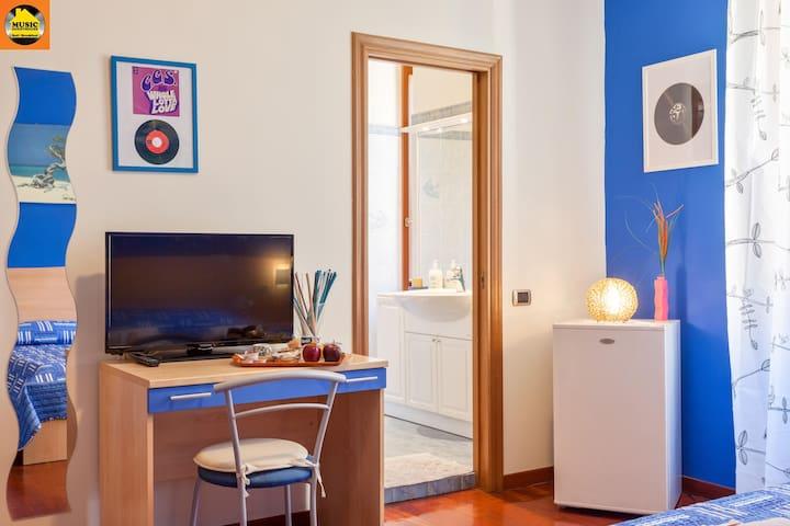 vip blue room