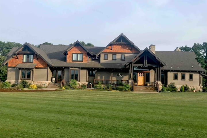 Rivers Edge Retreat in McMinnville