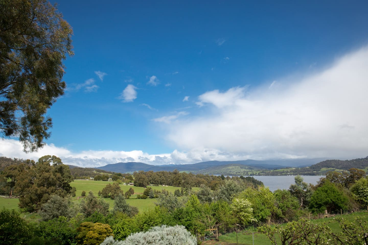 Captivating views of the Huon River and Hartz Mountains