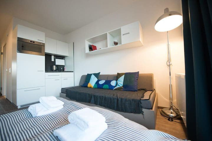 Wonderful and stylish Queen size bed apartment