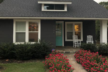 Charming Poe Mill Bungalow near Downtown