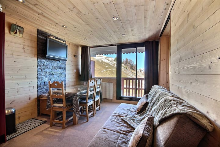 4/5 people apartment with Mont Blanc view, close to slopes and shops