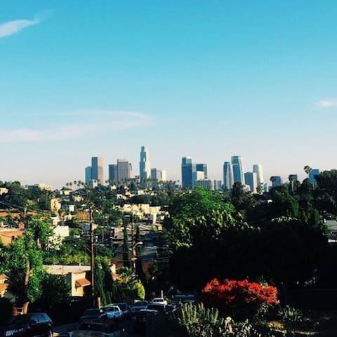 3bd Home in Echo Park w/ Downtown View - ลอสแอนเจลิส - บ้าน