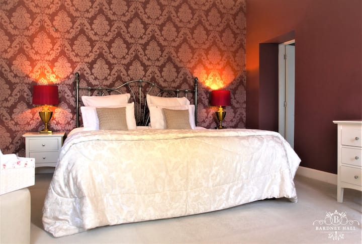 Luxurious Red Room at Bardney Hall