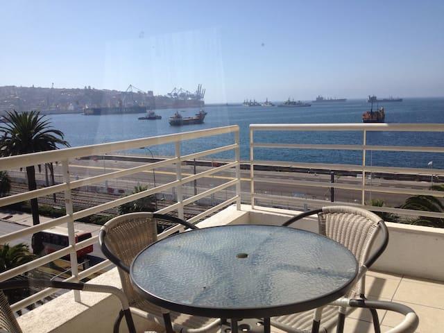 B&B ocean view downtown Valparaiso - Valparaíso - ที่พักพร้อมอาหารเช้า