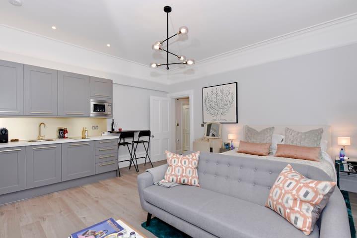 Entire Studio Apartment, Old Bakery, Eton, Windsor