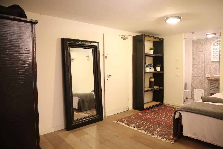 Chambre de 18 m2 spacieuse  2 Lits