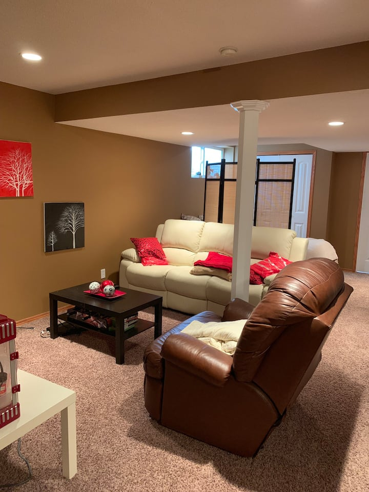 Basement Suite ~ Cozy & Clean