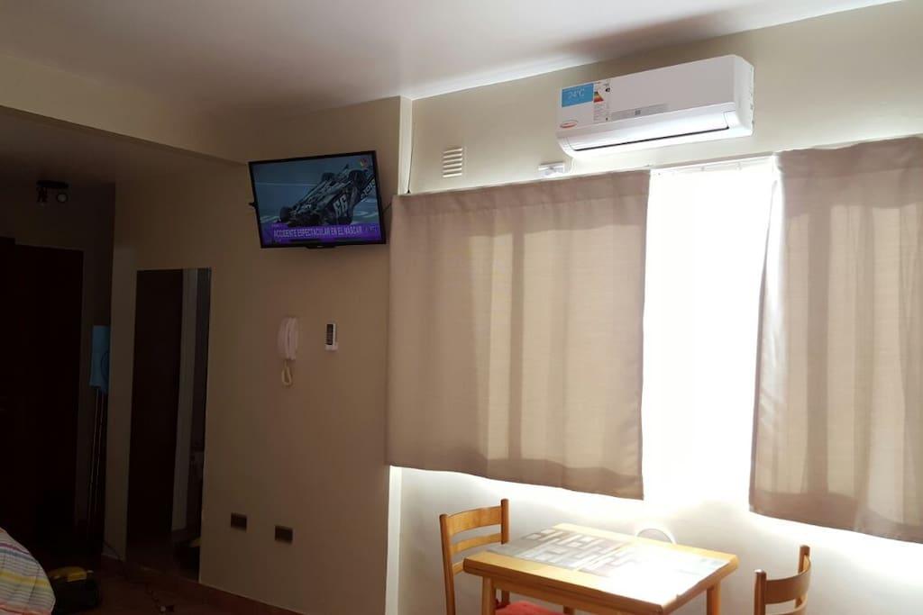 """TV 32"""" y Aire Acondicionado Frio/calor"""