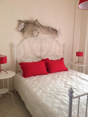 bedroom(2) with balcony