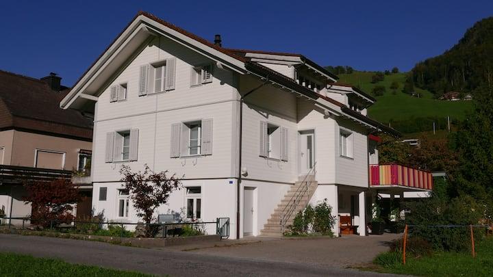 Giswil, Sandra's Flat, ganze Wohnung mit Aussicht