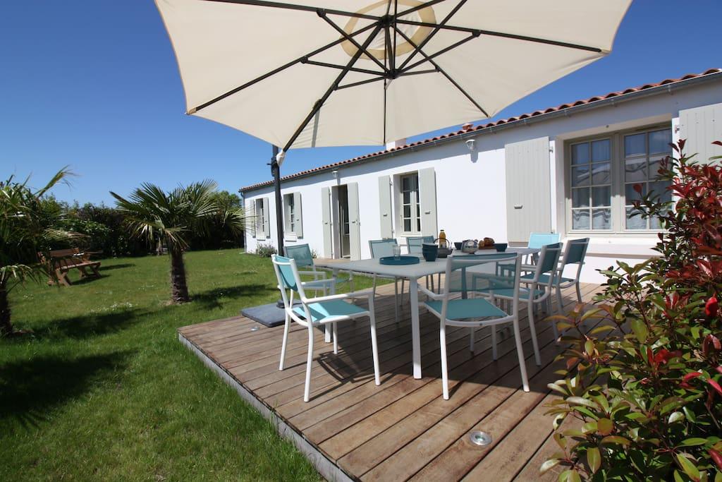 Maison typique plain pied pr s centre plages maisons - Mobilier jardin oriental saint denis ...