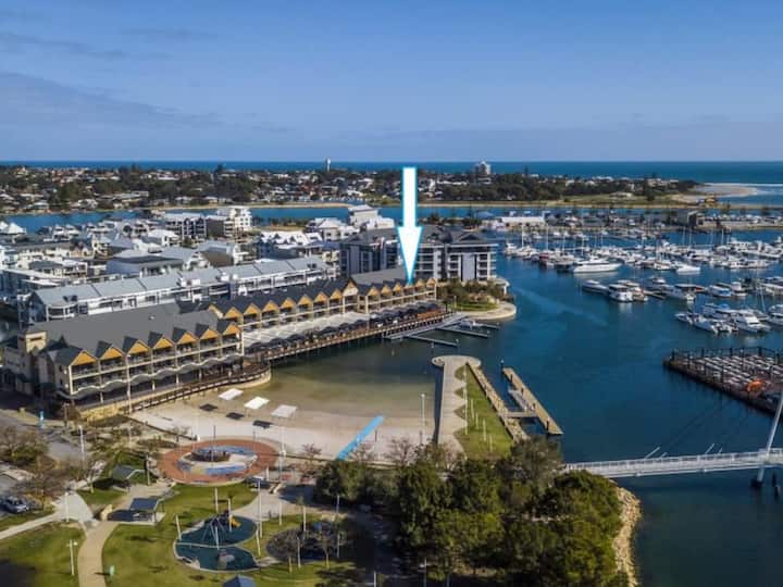 Mandurah Dolphin Quay Superior 2 Bedroom Apartment