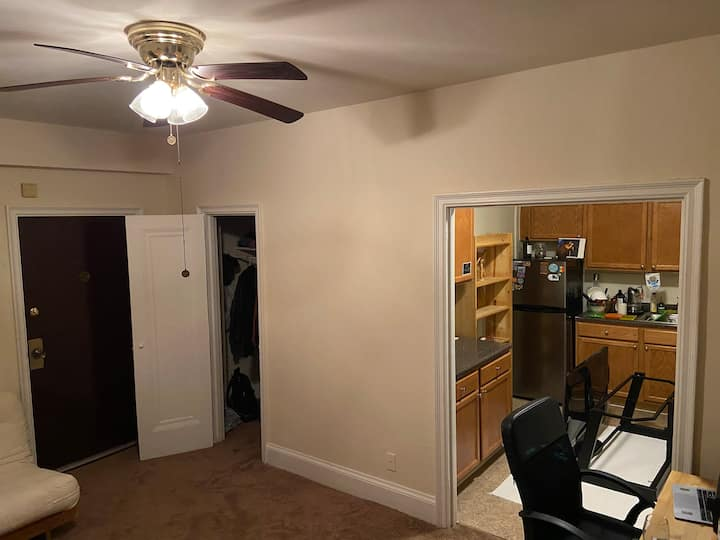 Lovely Studio Apt. near Rock Creek Park / Petworth