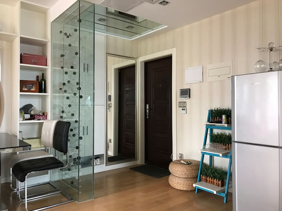 门厅的鞋柜、换鞋凳、衣帽镜,都不如珠帘来的梦幻!