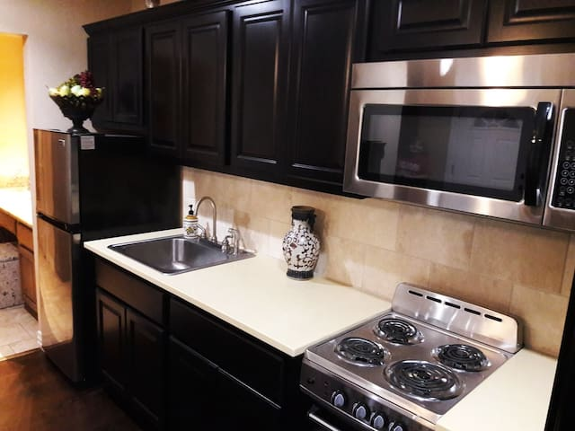 Nice New Studio Apartment near DFW Airport