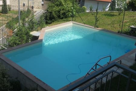 Panoramic apartment with swimming pool - Entratico - Leilighet