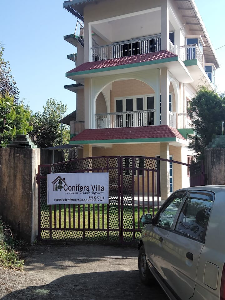 1BR conifers villa at Naukuchiatal