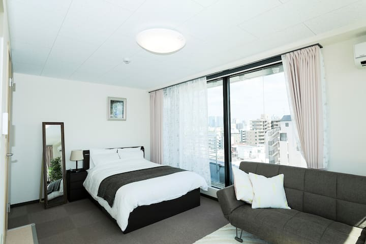 10B駅徒歩1分、梅田圏内、少しブランド品でJapan's lifestyle体験~清潔で綺麗な部屋