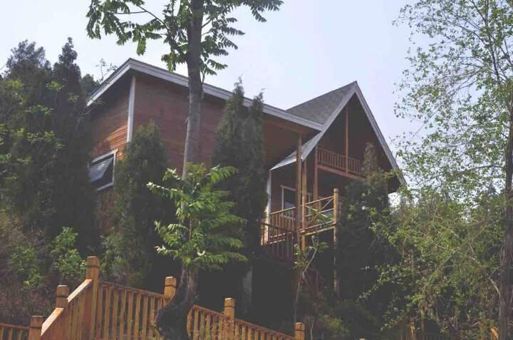 丛林木屋(亲子房)