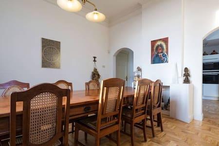 Verblijf in sprookjesachtige villa pal op de grens - Tegelen - Villa