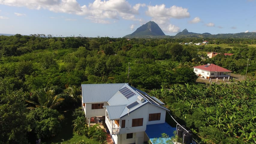 Long term rental - Piton View Villa close to sea