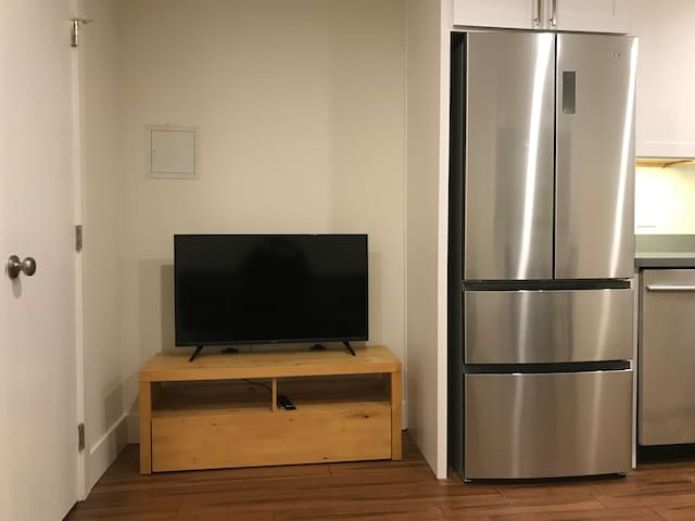Top of the Telegraph Hill,  1 BR