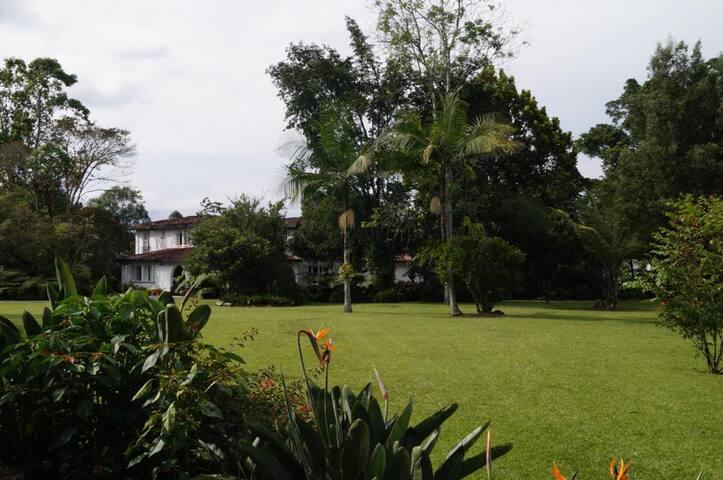 Habitación Principal en Finca Club Llanogrande