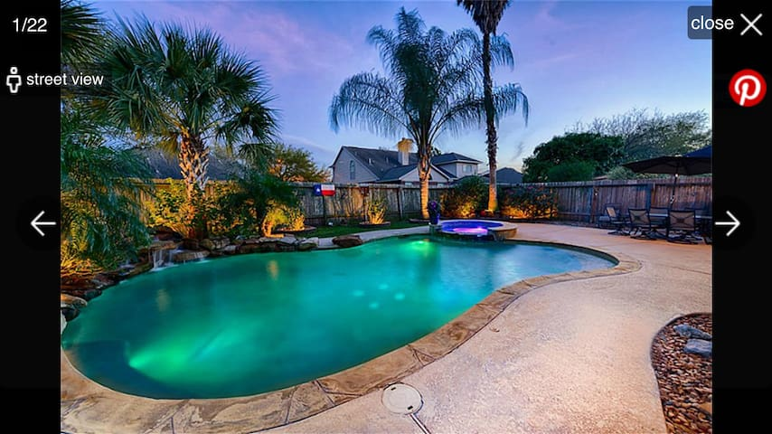 Luxury Super Bowl house with heated pool