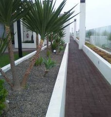 Runnning area on roof - common area