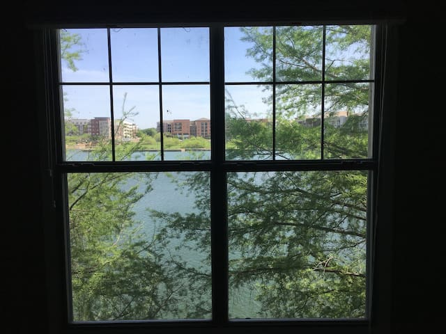 Room with Lake Views in Irving near DFW Airport