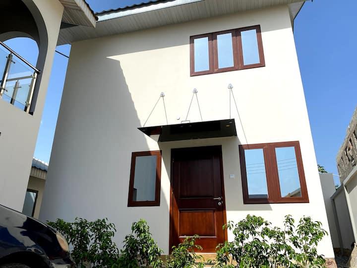 Adjiringanor Villa