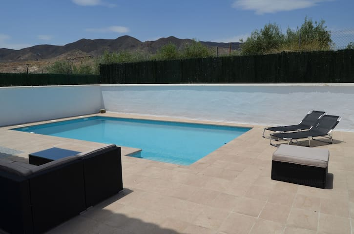 New villa with private pool near the beach. - Cuevas del Almanzora - Villa