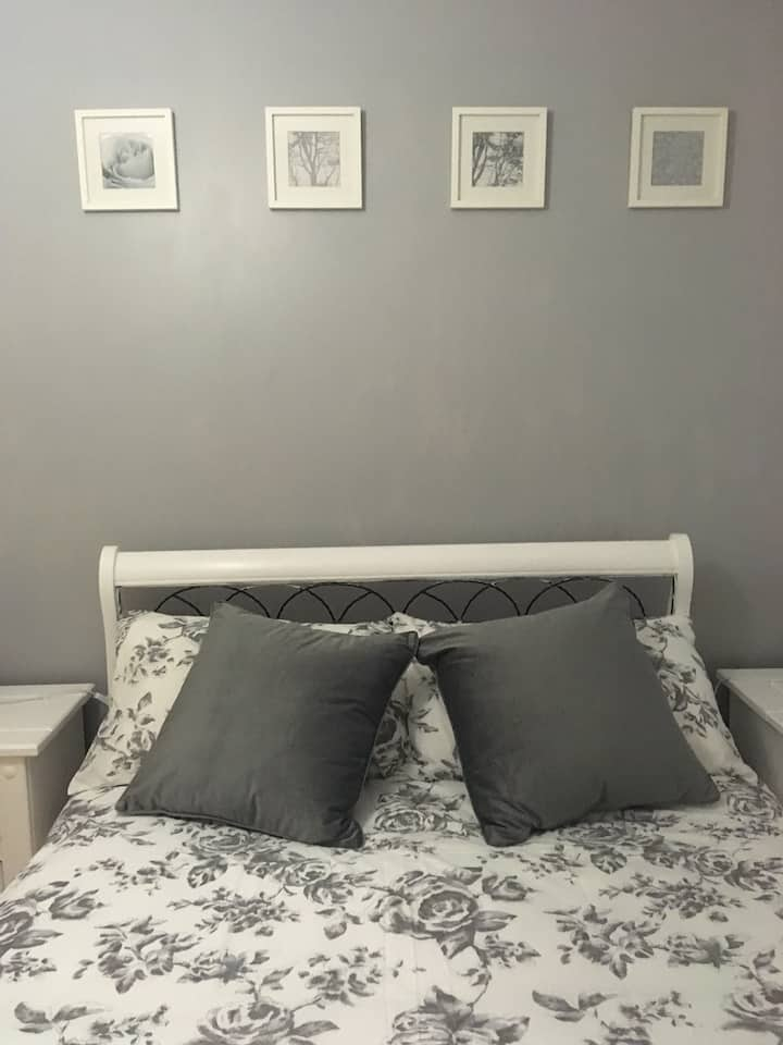 Attractive, clean and cosy double bedroom