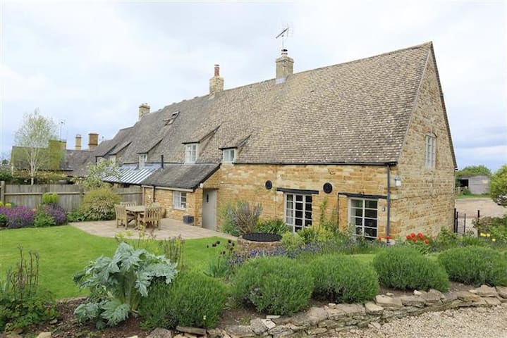 Home Farm Cottage, STUNNING NEW COTTAGE !!! - Warwickshire - Hus