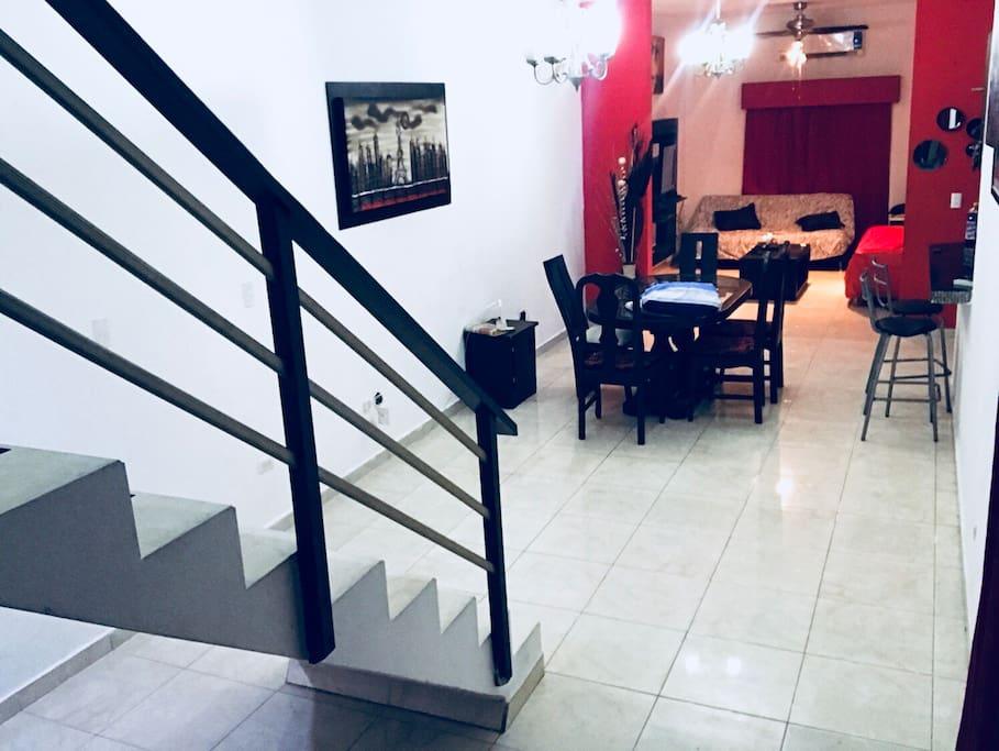 Aire acondicionado en toda la casa comedor y sala